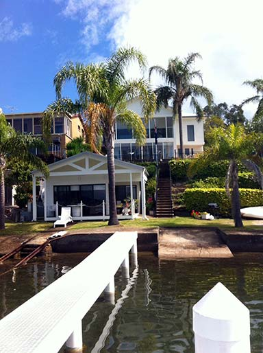 OVernight Reflections - Lake Macquarie Bed and Breakfast